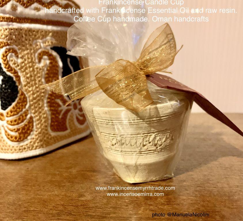 Candele con incenso di Frankincense del Sultanato dell' Oman artigianali. Candele fatte a mano con frankincenso Boswellia Sacra Oman
